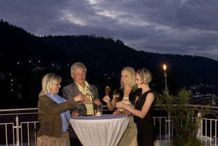 Get Together zum Meeting auf der Sonnenterrasse des Wellnesshotels Rothfuss